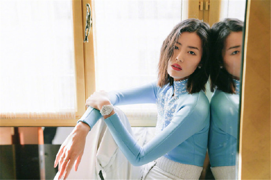 Chinese supermodel Liu Wen poses for fashion brand