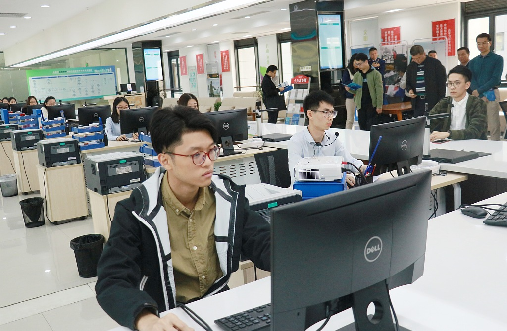 China's service trade up 2.6% in Q1
