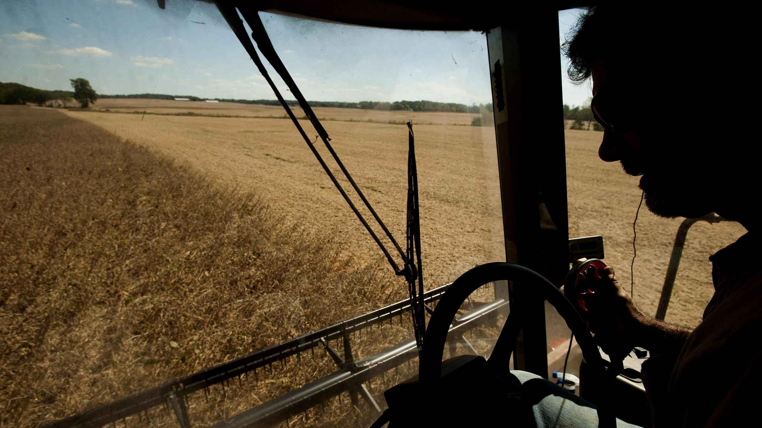 US farmers' outcry over tariff hike on Chinese goods