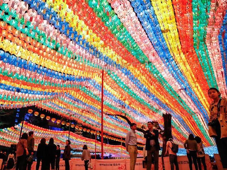 Jogyesa Temple decorated with lanterns ahead of upcoming Seokga Tansinil