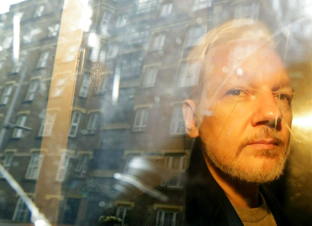 Sweden reopens rape case against Assange