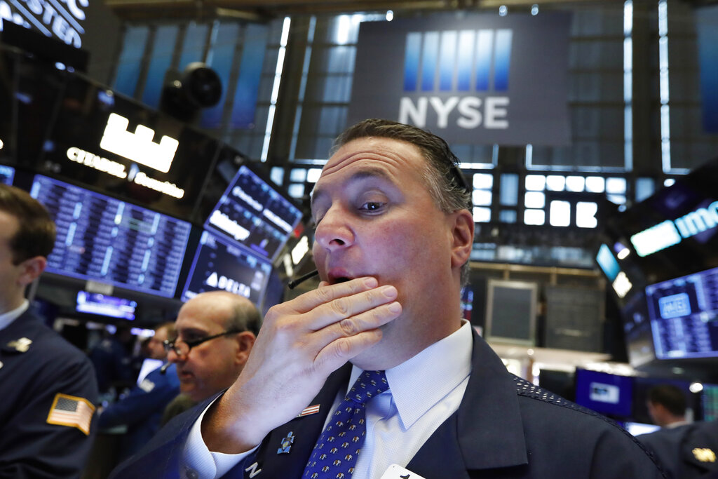 US stocks plummet on concerns over growth, earnings prospects