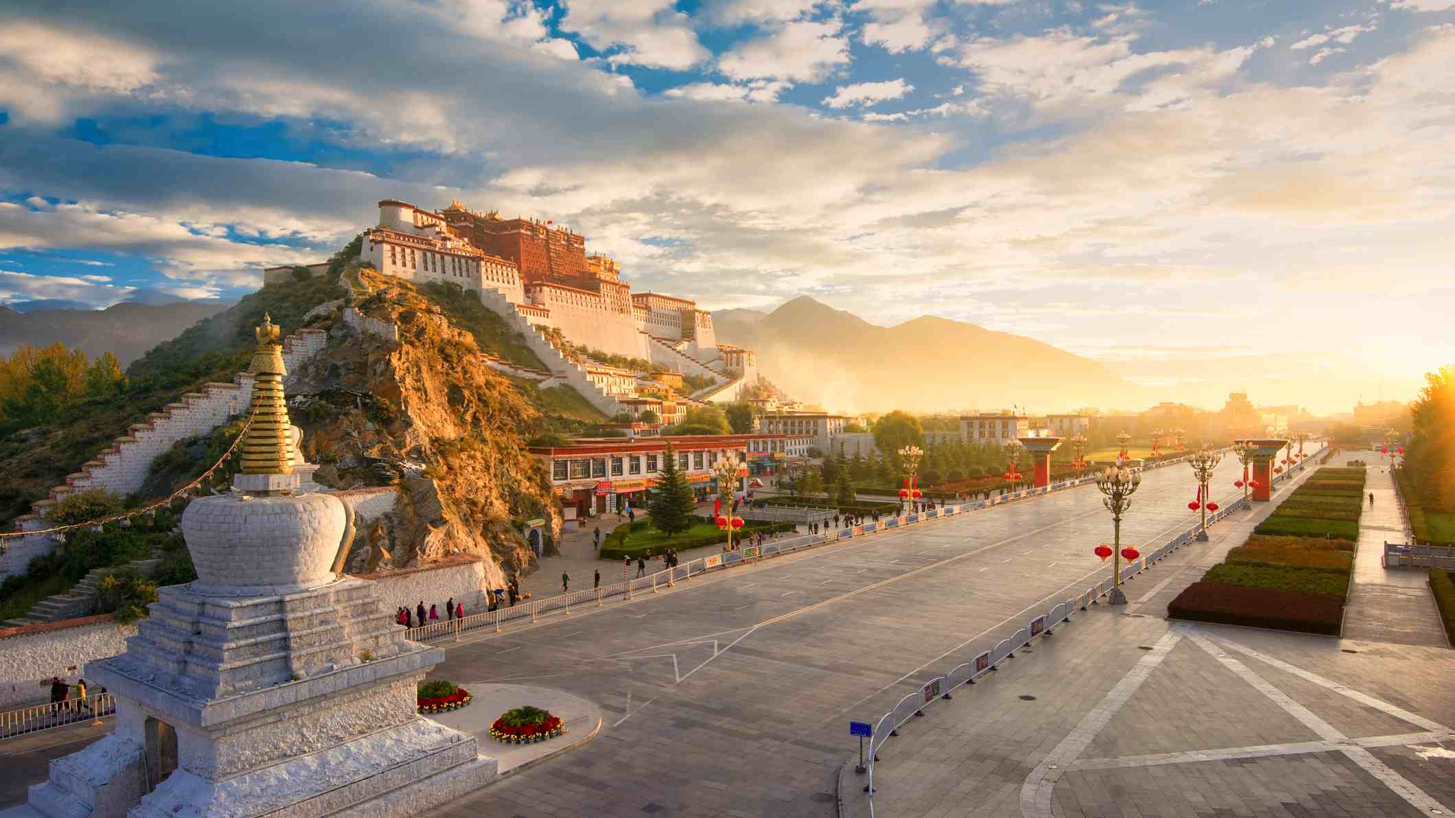 The plateau city of Lhasa received over one million visitors in Q1 2019