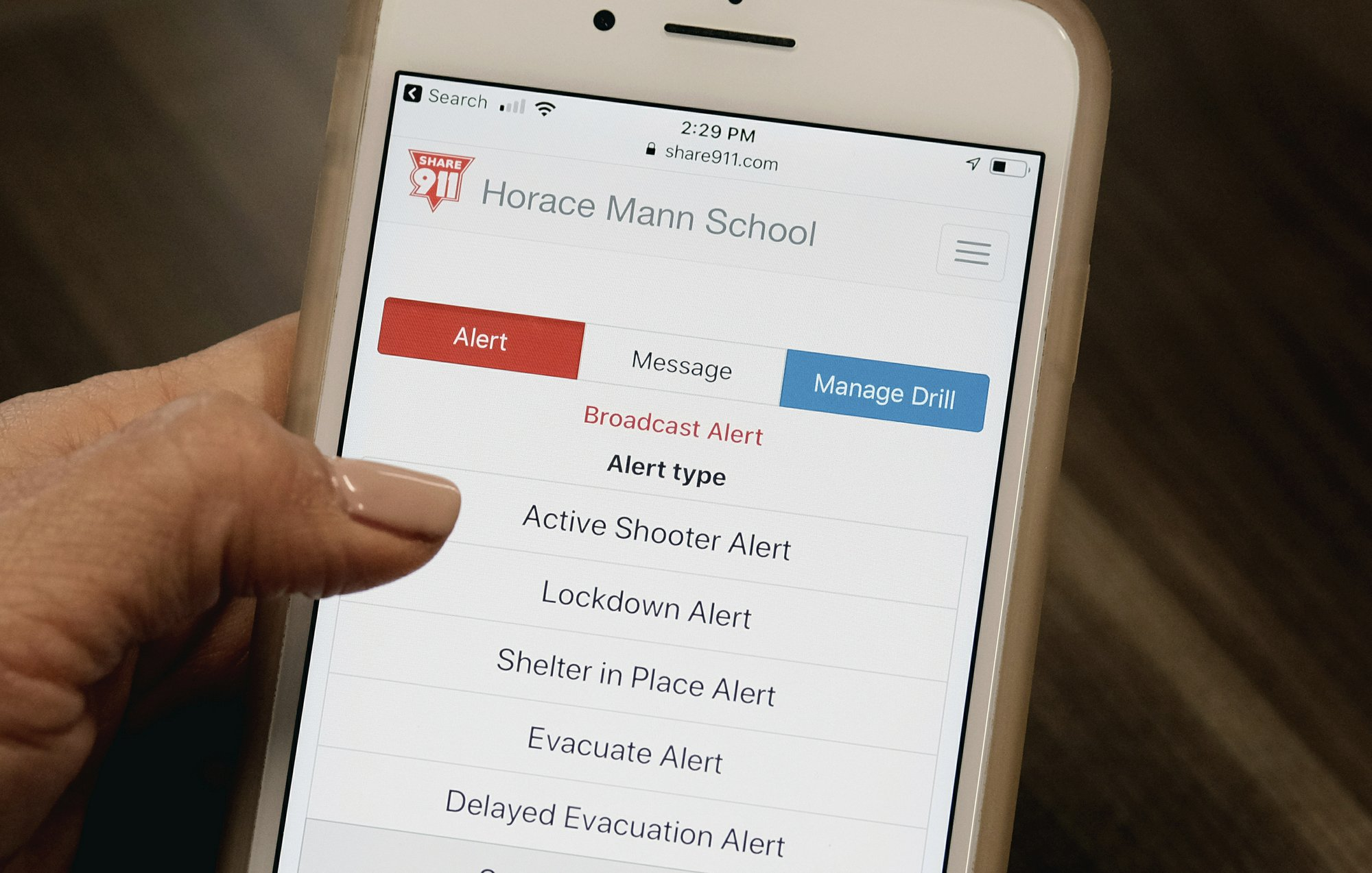 US schools turn to apps, other tech to guard against shootings