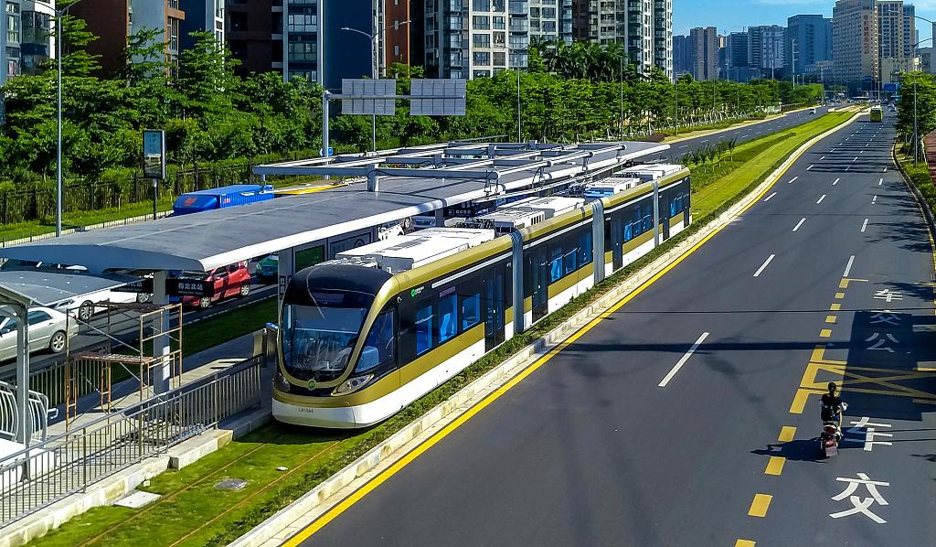 Shenzhen creates electric-powered urban public transport system