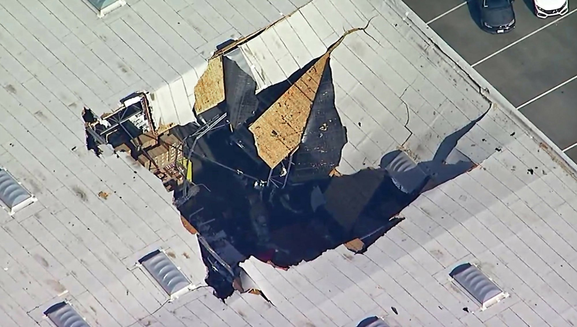 Site of F-16 crash, including freeway, remains off-limits
