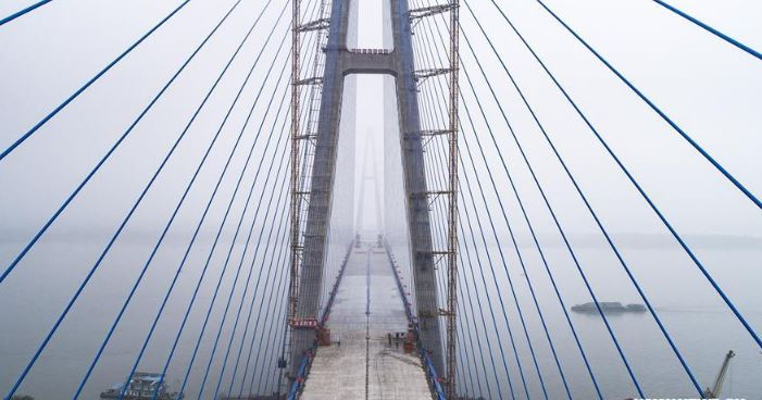 Construction completed on widest bridge over the Yangtze
