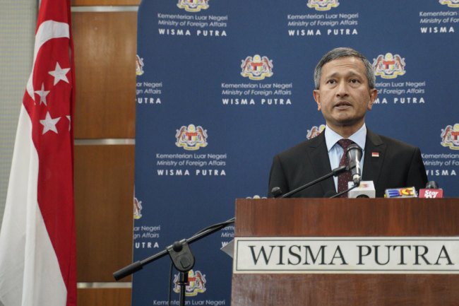 Singapore Foreign Minister Vivian Balakrishnan speaks during the press conference at Foreign Ministry in Putrajaya, Malaysia, Thursday, March 14, 2019. [Photo: IC]