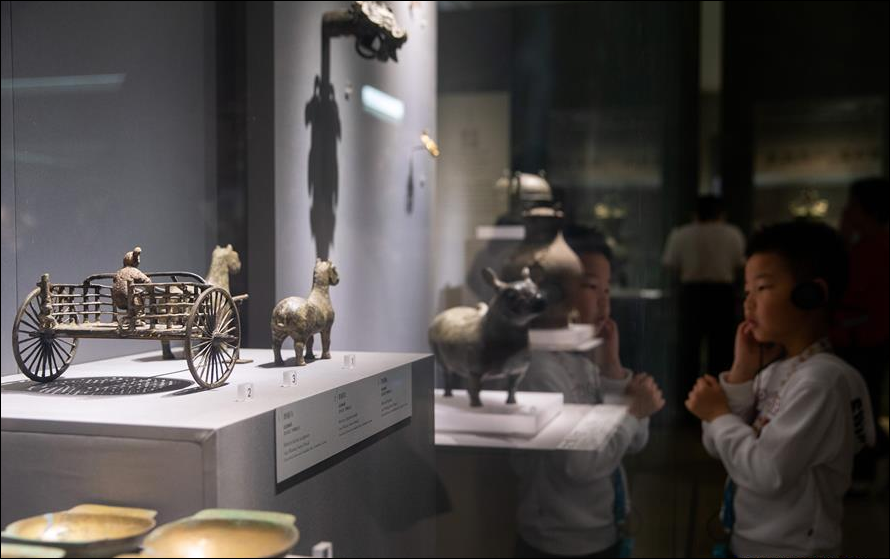 People visit museums in China on Int'l Museum Day