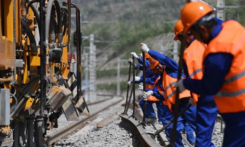 Construction finishes on new section of China's longest coal rail