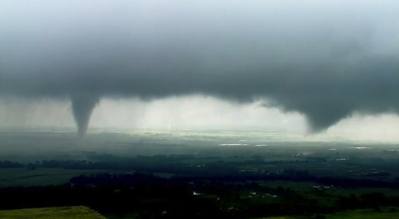 Dangerous storm sweeps Southern Plains, spawning tornadoes