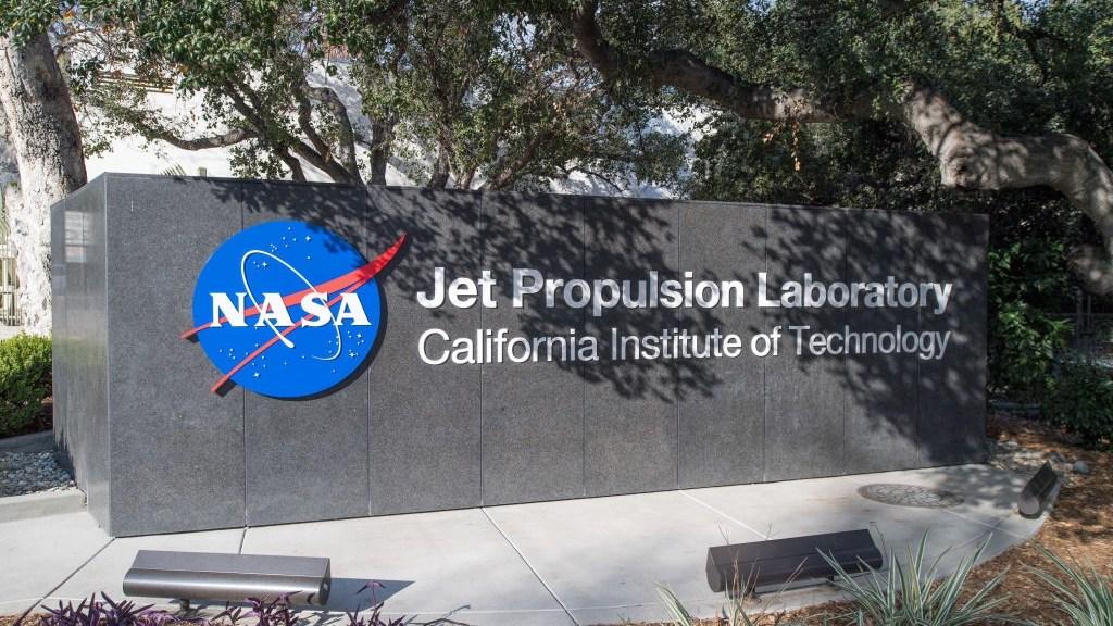 NASA's JPL annual explore event attracts 25,000 visitors