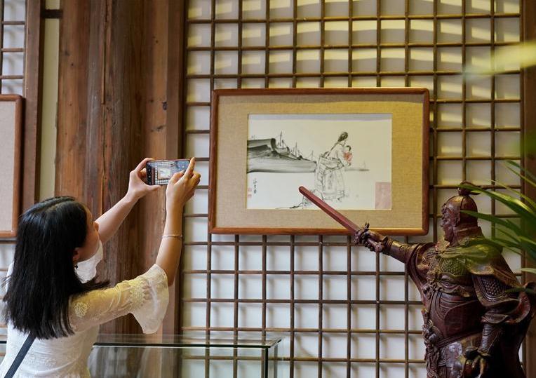 Ceramic-tile ink wash painting exhibition held in Fuzhou, China's Fujian