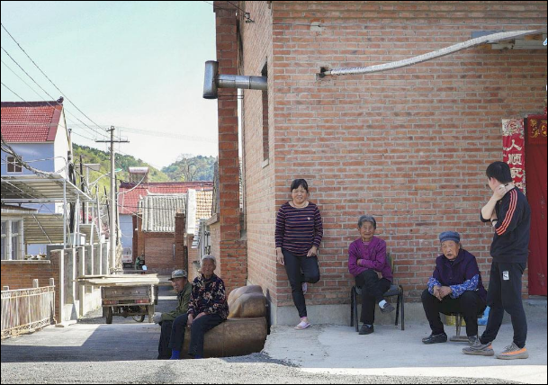 Shake it off: Fighting poverty in north rural China