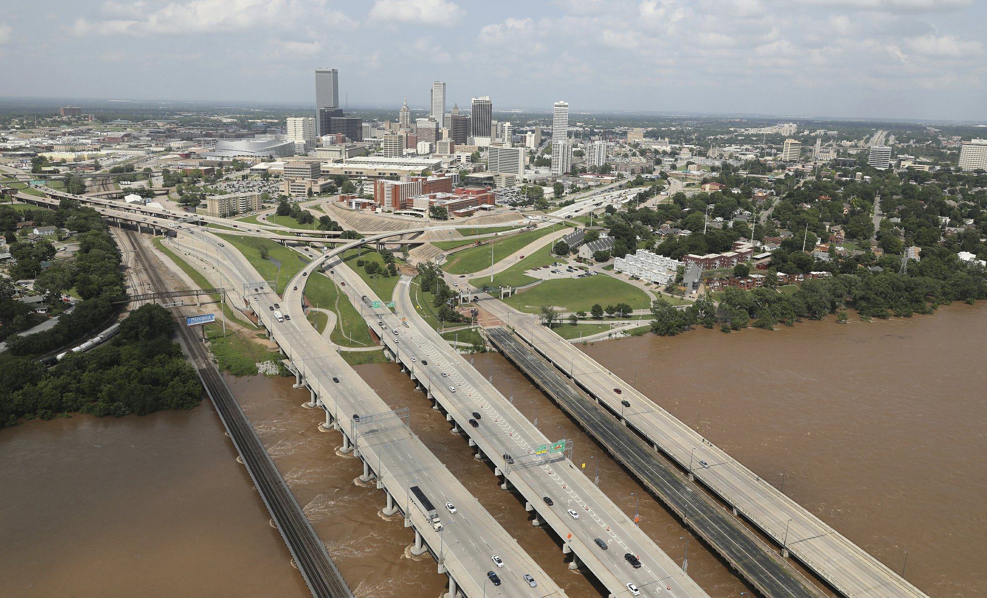 Levee topped, streets flooded in US Midwest