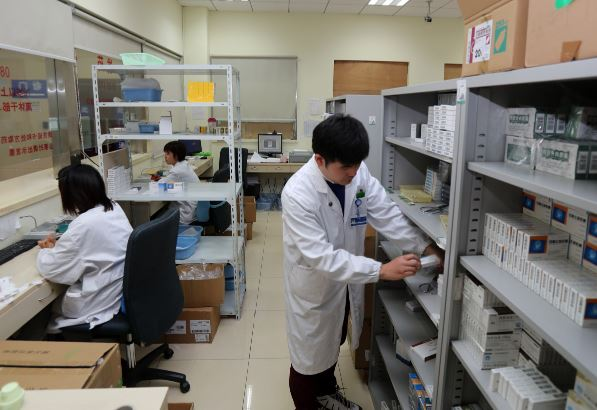 China has nearly 1 mln medical, health institutions