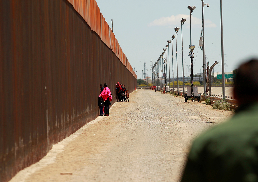 US judge deals blow to Trump's border wall plans