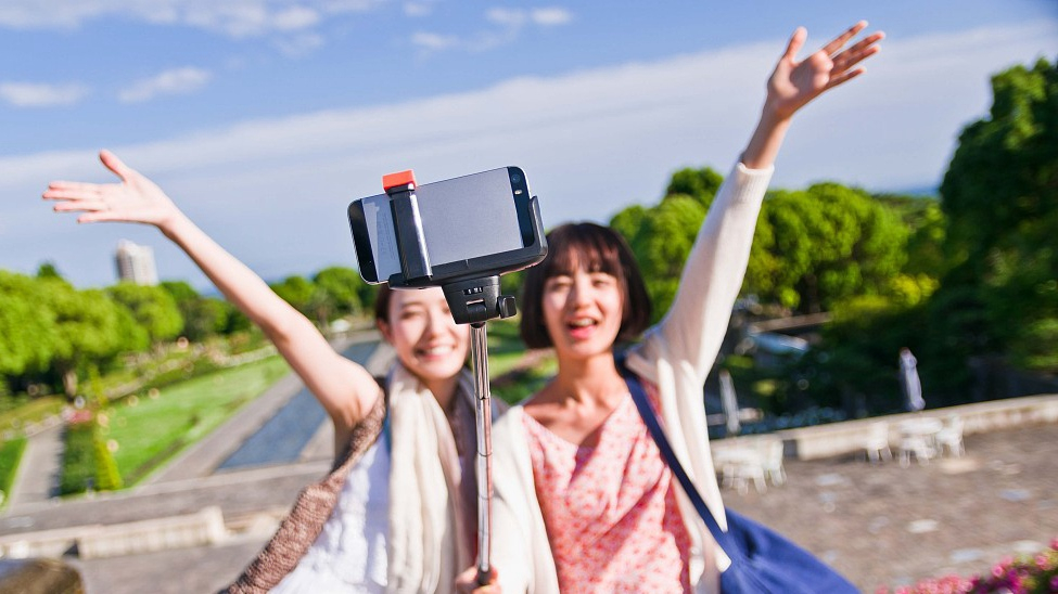 More Chinese share travel experiences online