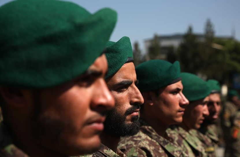 Afghan army soldiers take part in graduation ceremony