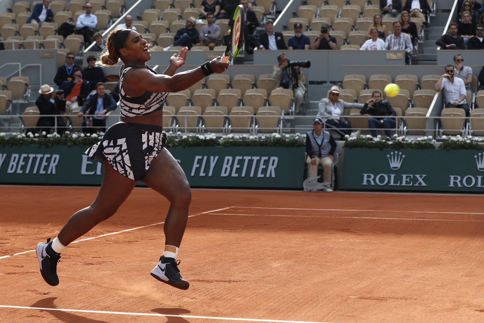 Serena wins at French Open