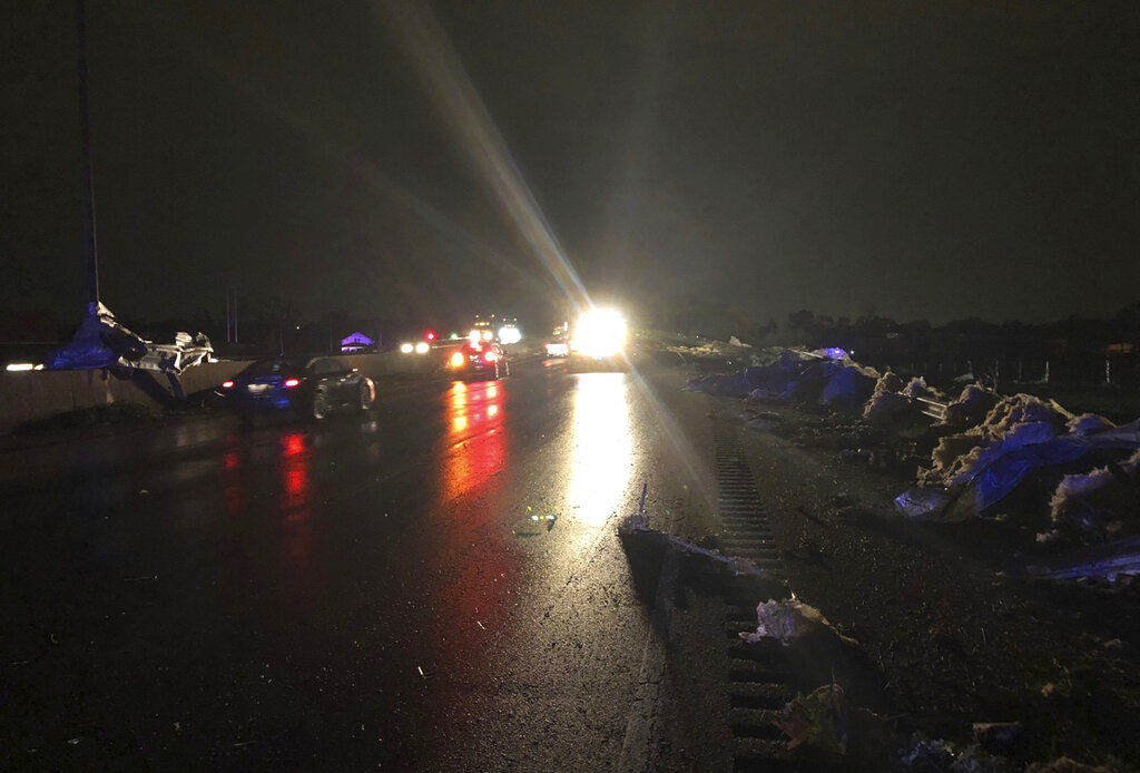 Ohio DOT uses snow plows to remove debris after tornado hits