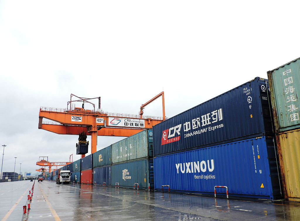Land-sea freight route from west China sees 1,000 trips