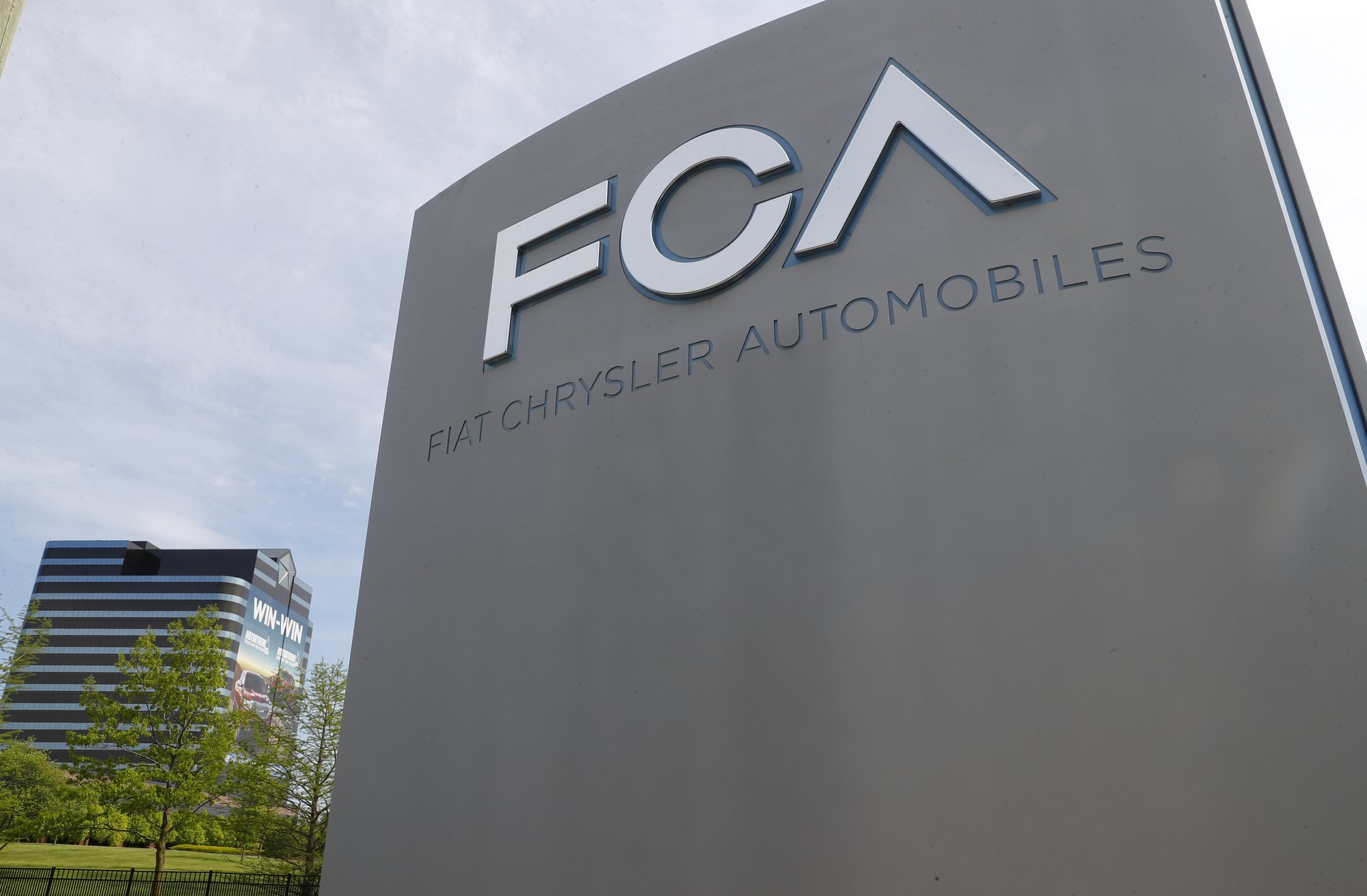 France: No jobs must be lost in Renault-Fiat Chrysler tie-up