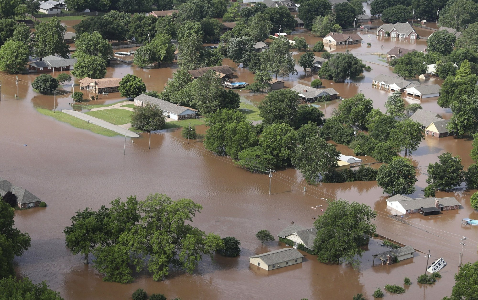 Longest-lasting Mississippi flooding since 1927 affects 8 US states
