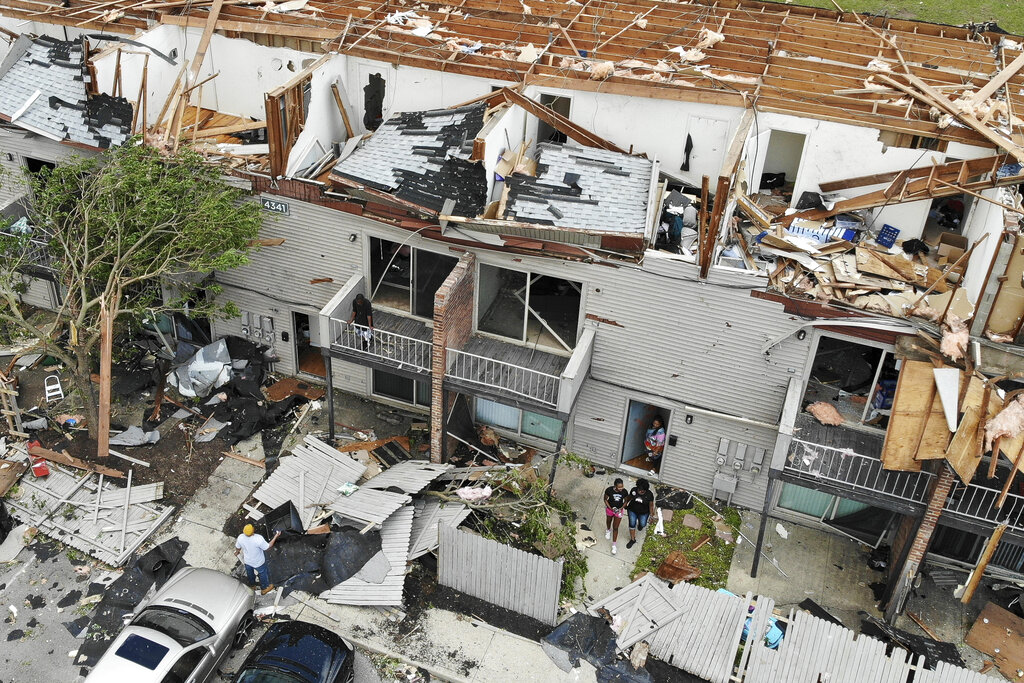 1 dead, 130 injured as twisters rip through Ohio and Indiana