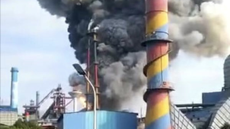 One dead, nine injured in gas pipe explosion in E China
