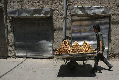 UAE expats taste Ramadan traditional sweets, sense of home