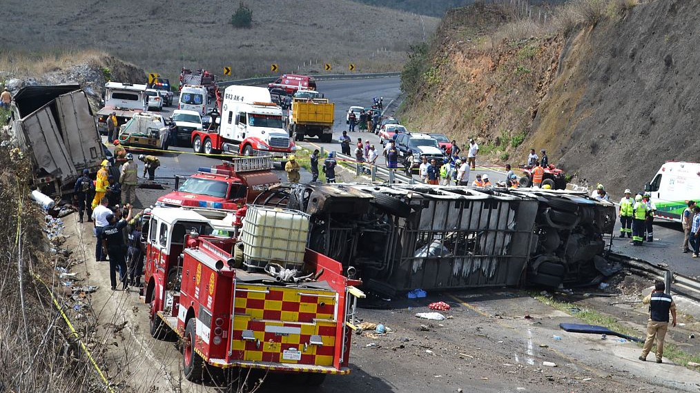 At least 21 dead in southern Mexico fiery bus accident