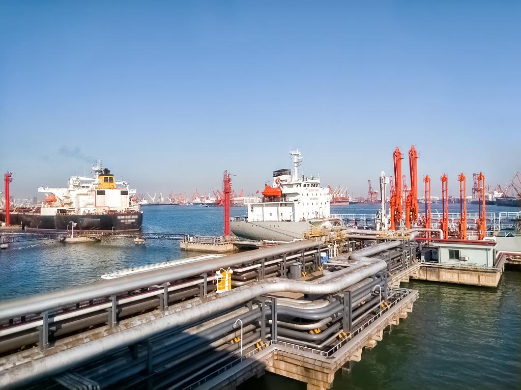 Shanghai crude oil futures open lower
