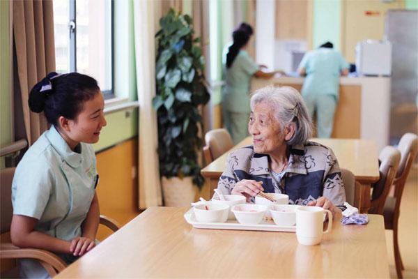 Aging China needs professional elderly care