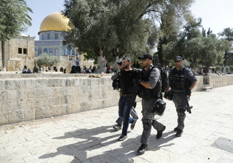 Tens of thousands of Israelis march to mark capture of East Jerusalem
