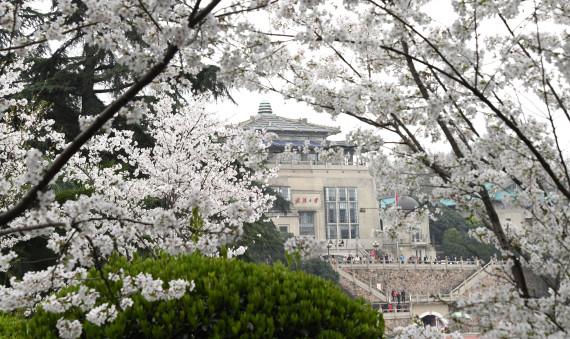 UChicago, Wuhan University pursue further cooperation