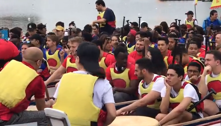 Dragon boating offers foreign students a window into Chinese culture