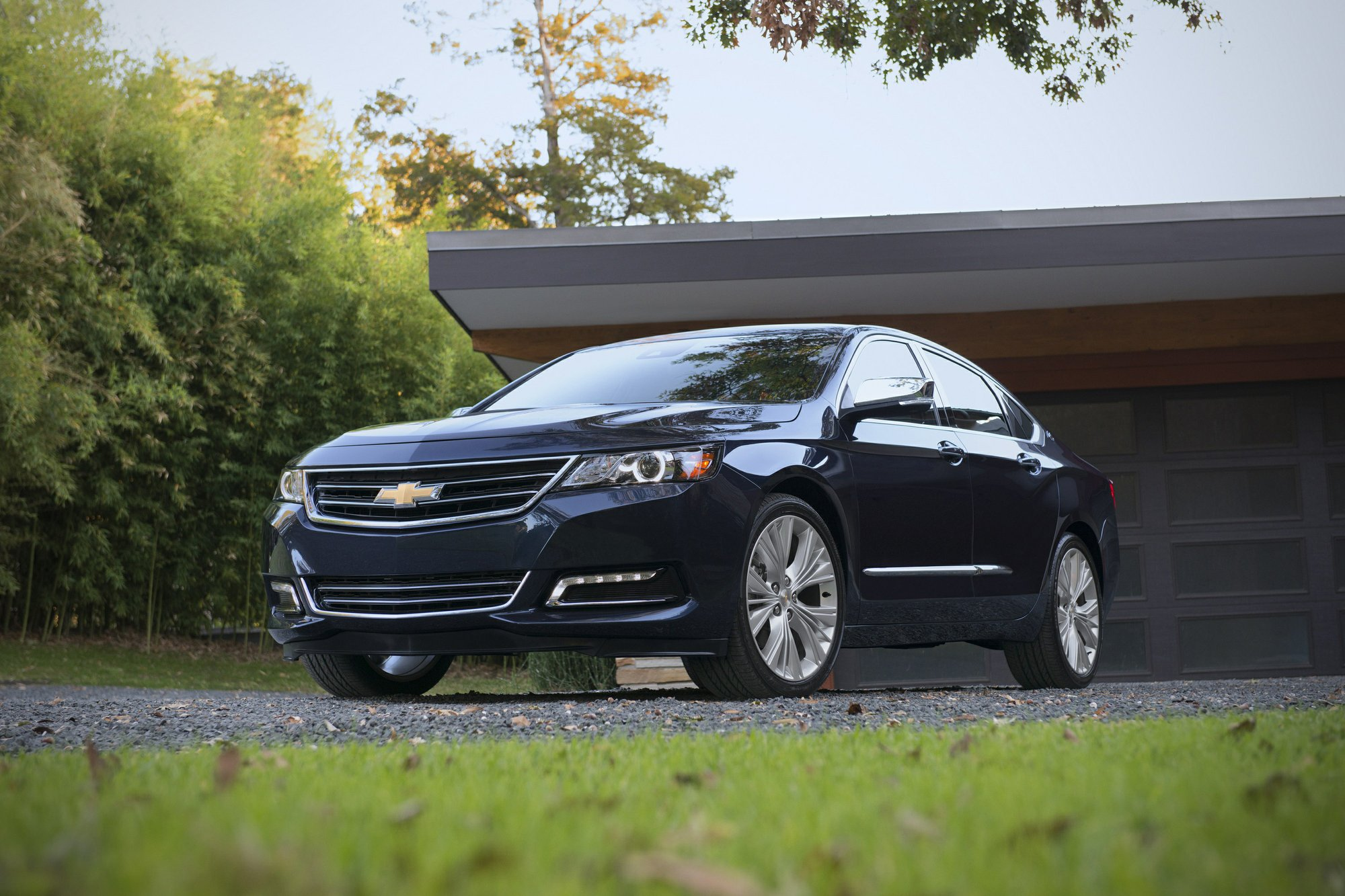 Edmunds: Discontinued cars offer value but should you buy?