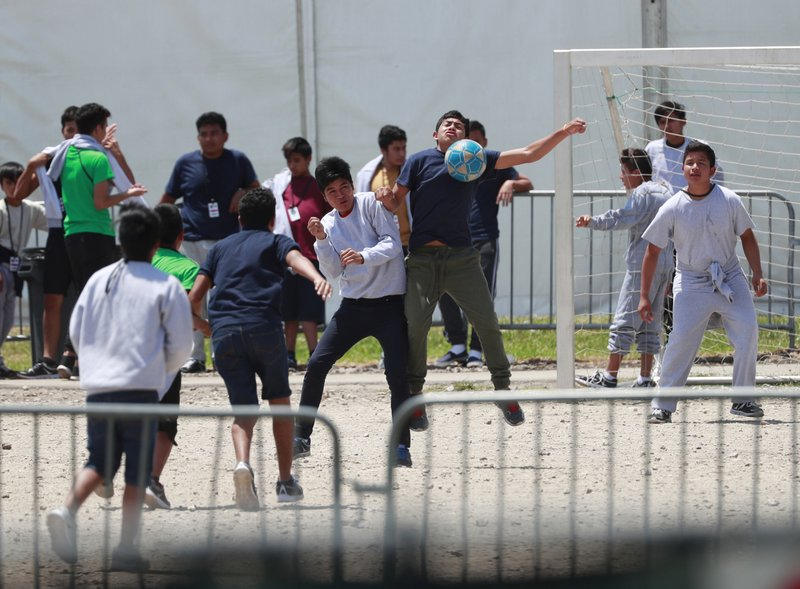 Feds: No more education, legal services for immigrant kids