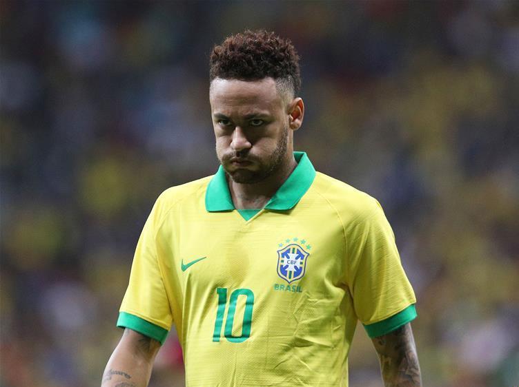 Neymar exits Brazil friendly with ankle injury
