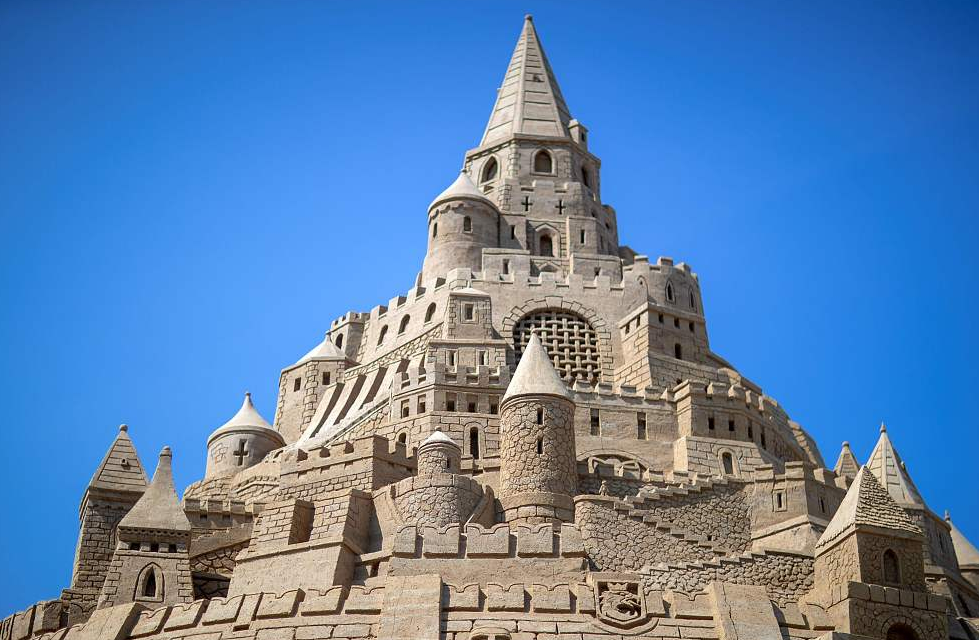 Giant sandcastle eyes Guinness World Records title