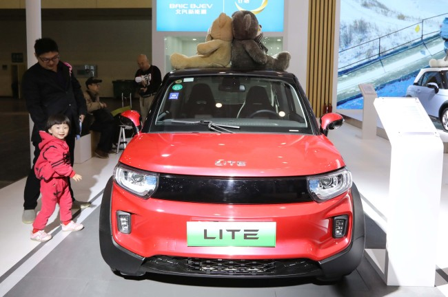 China moves to boost consumption of new energy vehicles