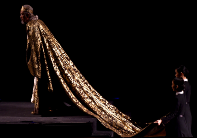 China's prime theater stages 'King Lear'