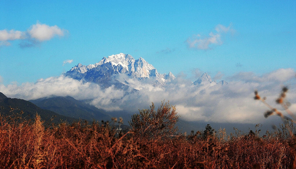 China's Yulong Snow Mountain sees 50M tourists