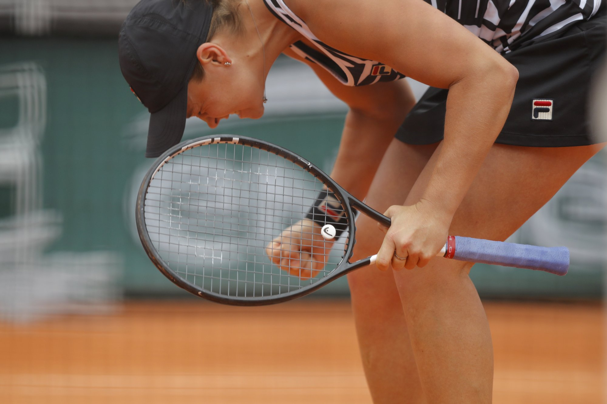 Something new: A French Open final for Barty, Vondrousova