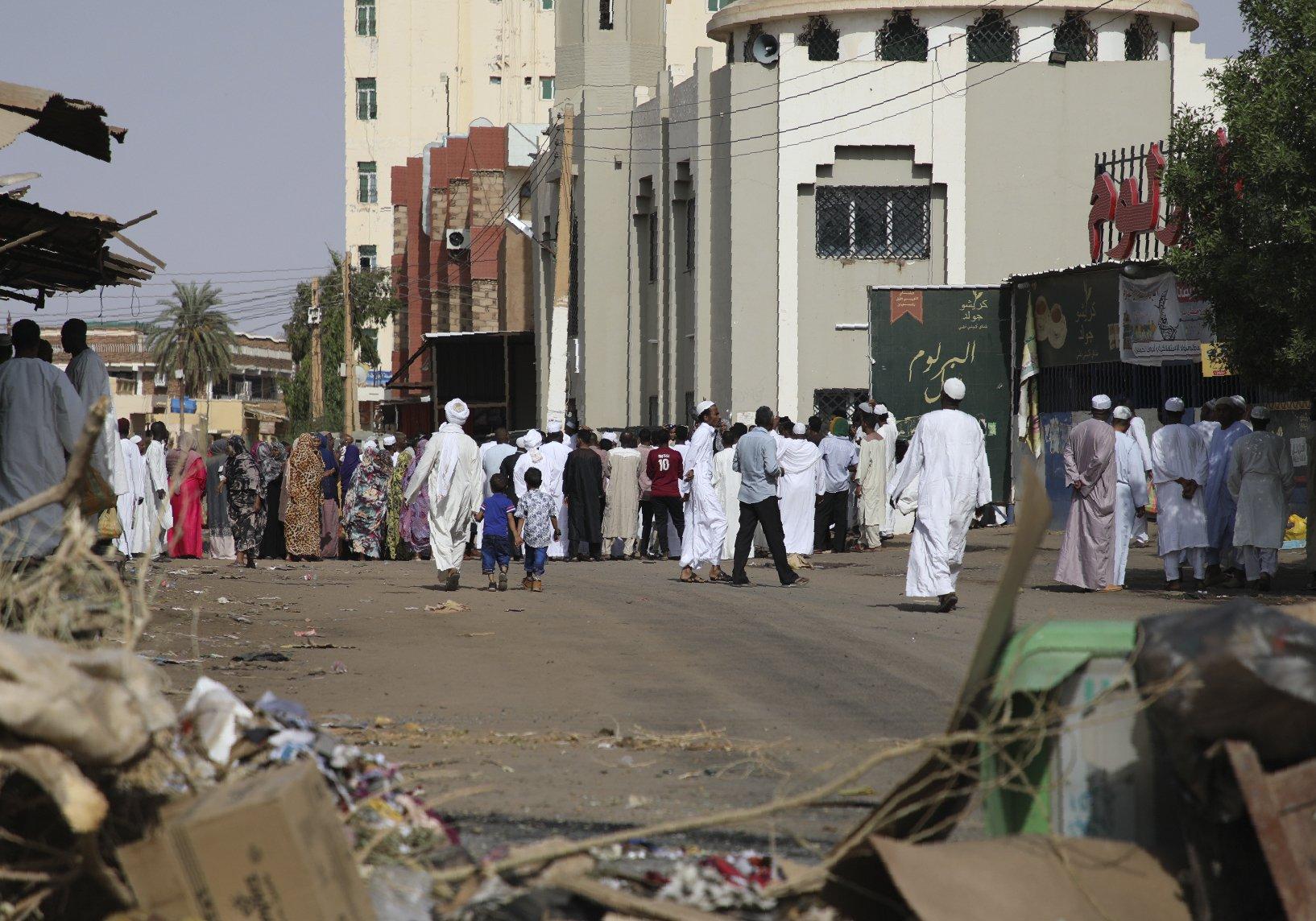 Ethiopian PM begins mediation talks in Sudan after violence