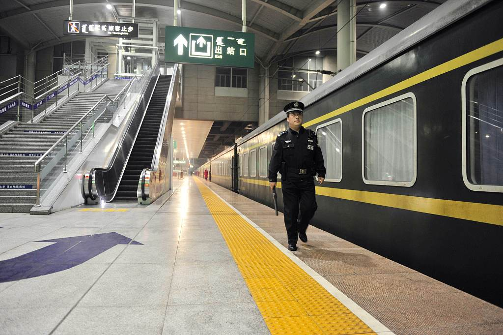 Railway police nab 355 fugitives during Dragon Boat Festival holiday