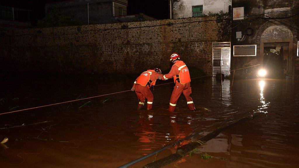 At least seven dead, one missing as heavy rain lashes south China