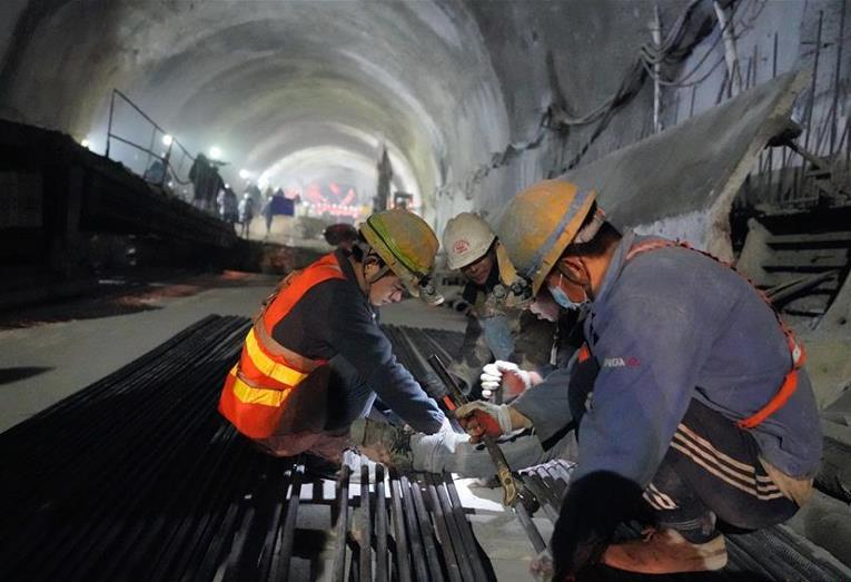 New track laid to upgrade China's 100-year-old railway