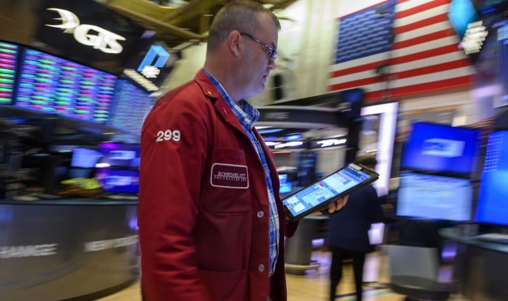 US stocks rise amid rallying Disney shares